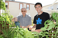 17. François AVERTY au jardin